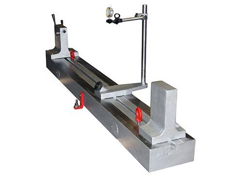 Прибор для проверки изделий на биение в центрах модели ПБ-1600М
