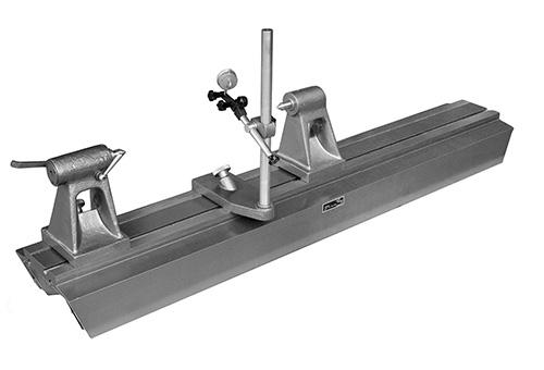 Прибор для проверки изделий на биение в центрах модели ПБ-1400М